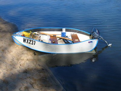 A plastic folding boat on Lake Tyers